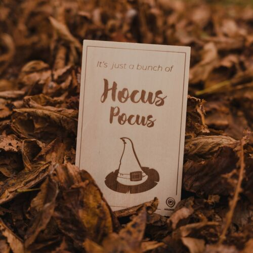 Wooden postcard Hocus Pocus