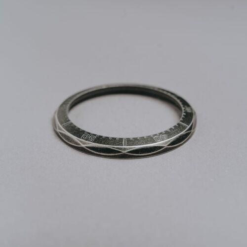 Bezel Eirene (Antique Silver)