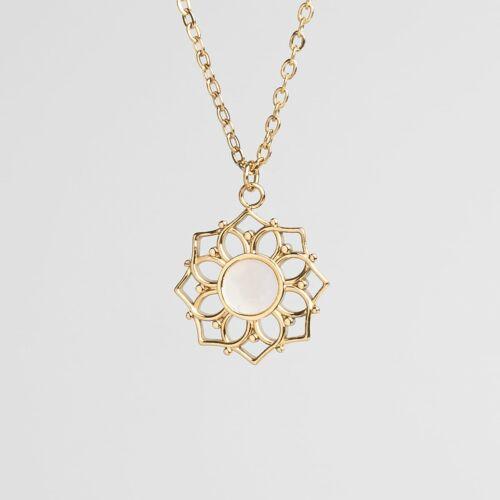 Composition Necklace (White Nacre/Gold)
