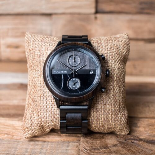 Erasmus is a wood watch with a two-face dial made of marble and leadwood