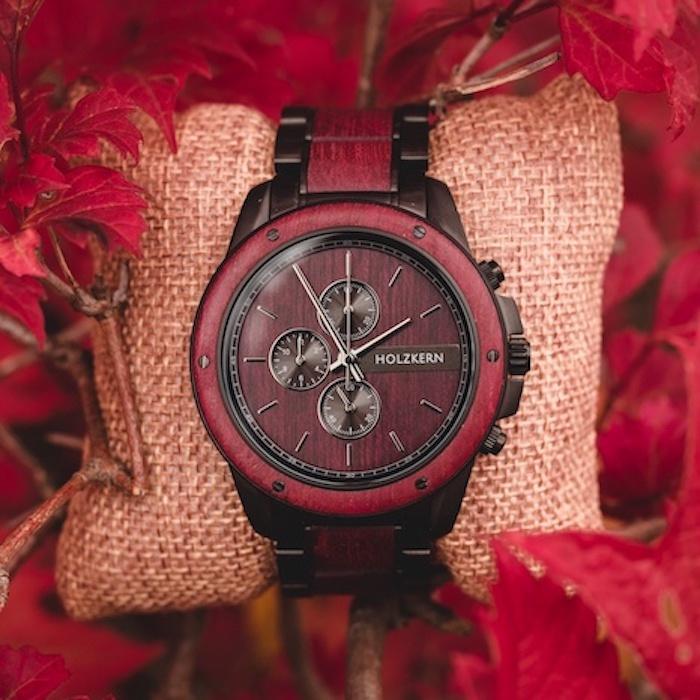 Rote Amaranth Uhren EN 1