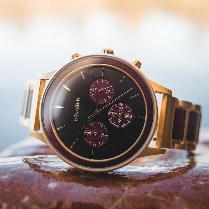 Rote Amaranth Uhren EN 8