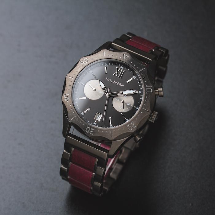 Rote Amaranth Uhren EN 2