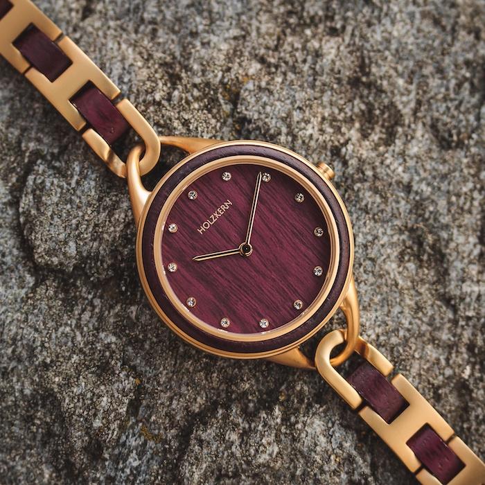 Rote Amaranth Uhren EN 7