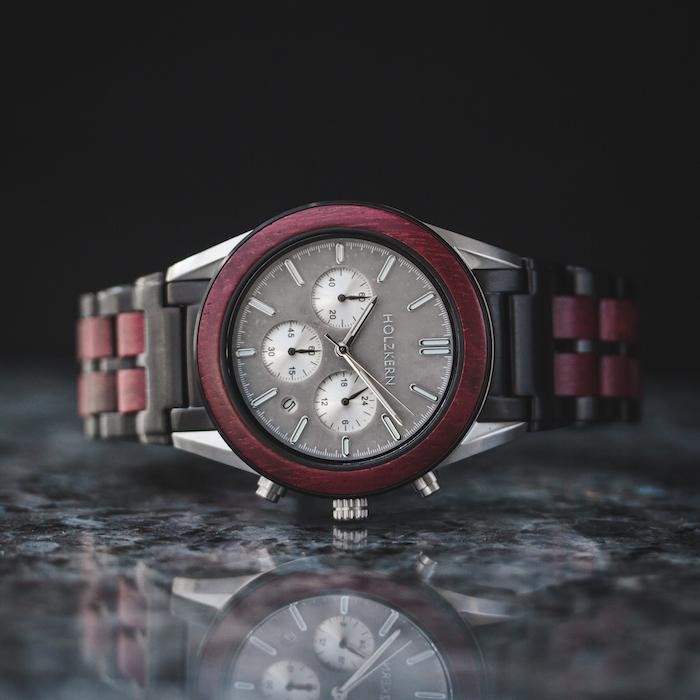 Rote Amaranth Uhren EN 6