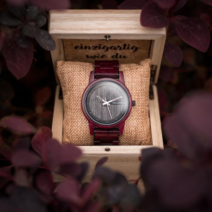 Rote Amaranth Uhren EN 5